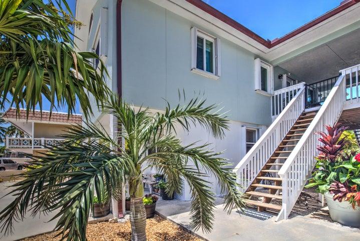 918 W Ocean Drive, Key Colony, FL 33051