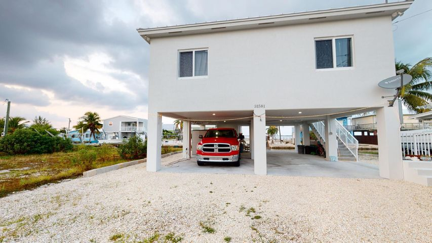 31581 Avenue D, Big Pine Key, FL 33043