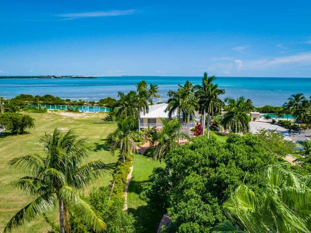 306 Cypress Street, Duck Key, FL 33050