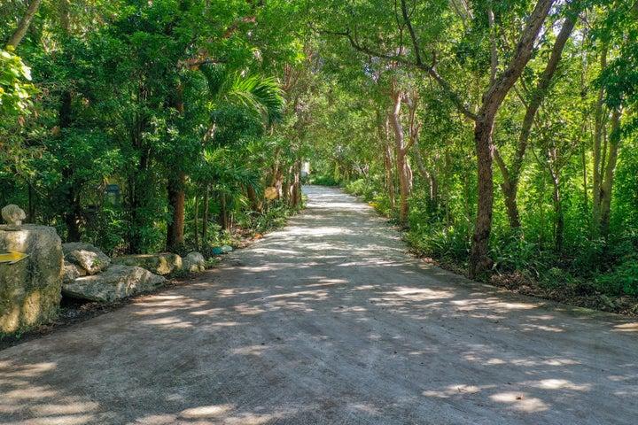 98610 Overseas Highway, Key Largo, FL 33037