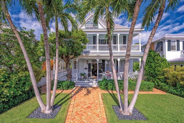 Grand Historic Home on Millionaires row.