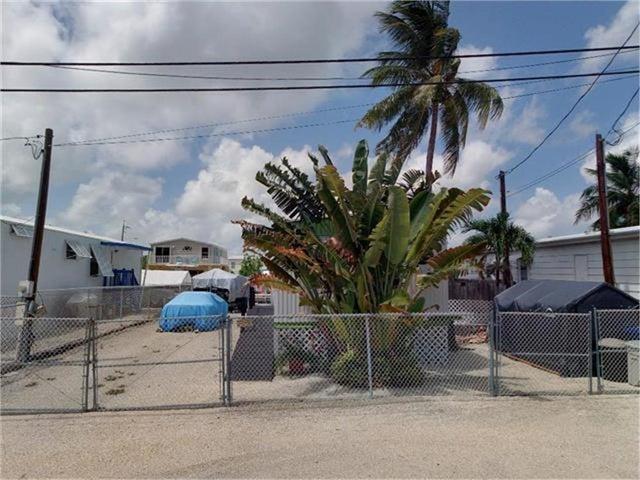 235 Buttonwood Avenue, Key Largo, FL 33037