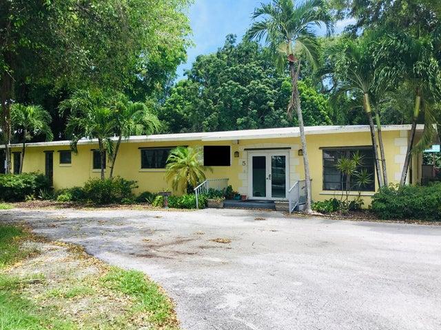 5 Transylvania Avenue, Key Largo, FL 33037