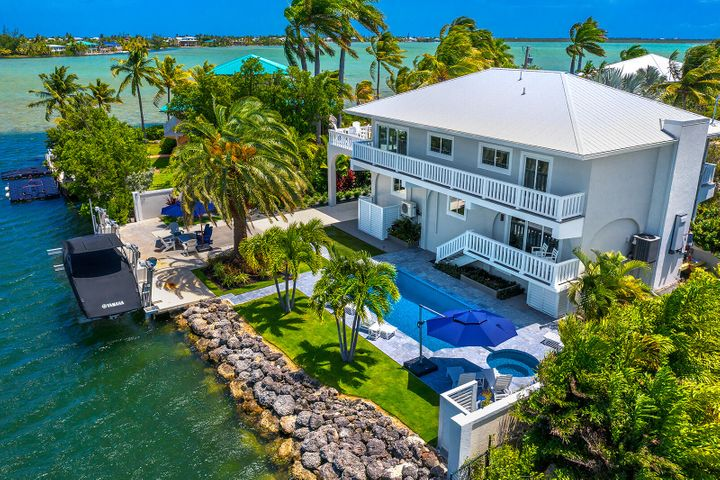16845 Tamarind Road, Sugarloaf Key, FL 33042