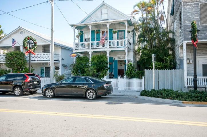 704 Caroline Street, KEY WEST, FL 33040