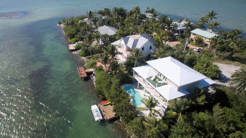97 Bay Drive, Saddle Bunch, FL 33040