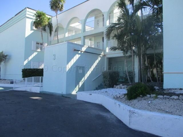 201 Ocean Drive E 101, KEY COLONY, FL 33051