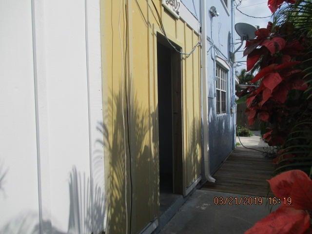 2402 Fogarty Avenue, KEY WEST, FL 33040