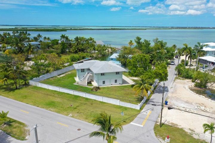 17213 Starfish Lane, Sugarloaf, FL 33042