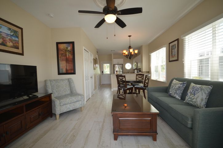 7012 Harbor Village Drive, Duck, FL 33050