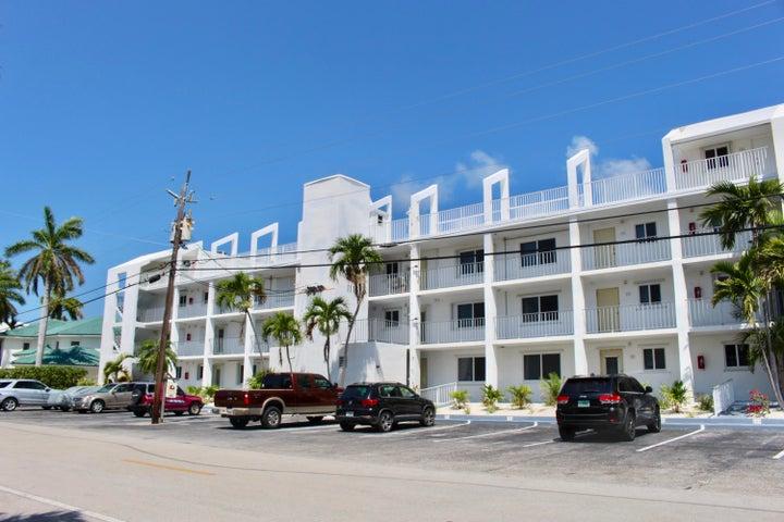 1115 Sombrero Boulevard 105A, MARATHON, FL 33050