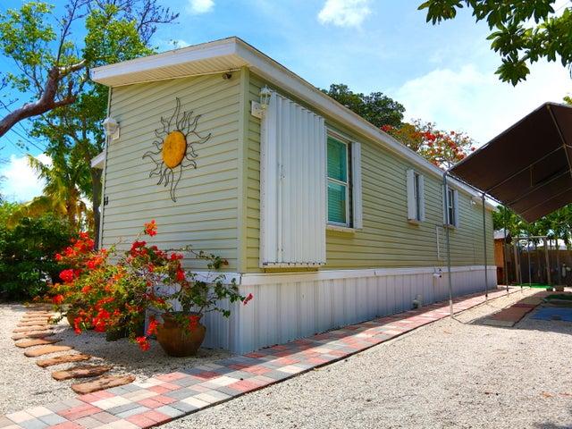 11 Mockingbird Road, KEY LARGO, FL 33037