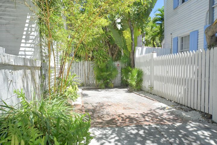 621 Eaton Street, KEY WEST, FL 33040