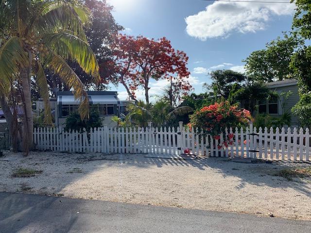 9 Mockingbird Road, KEY LARGO, FL 33037