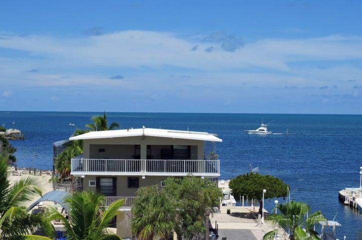 77 Coral Drive, KEY LARGO, FL 33037