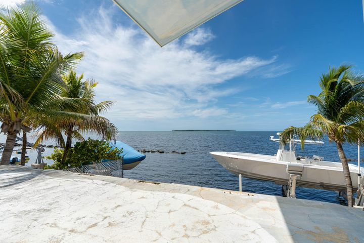 208 Orange Blossom Road, Tavernier, FL 33070