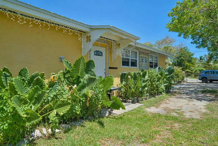 30431 Poinciana Road, Big Pine, FL 33043