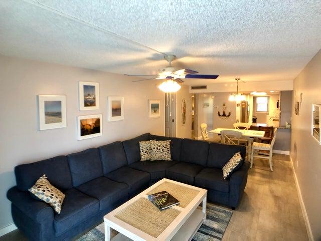 201 Ocean Drive E 102, KEY COLONY, FL 33051