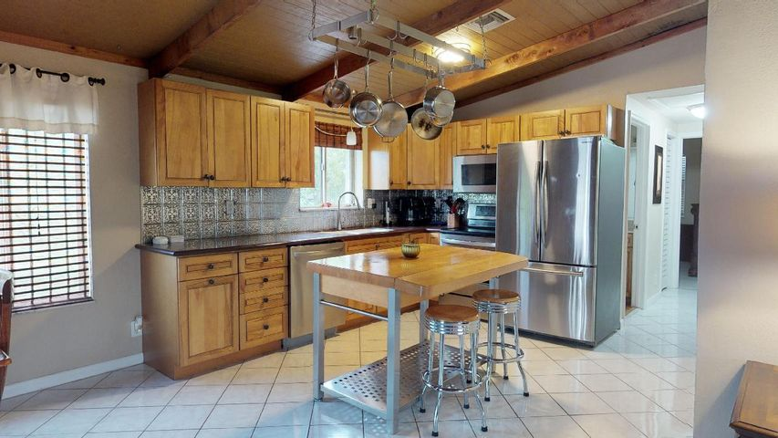 33042 4 Bedroom Home For Sale