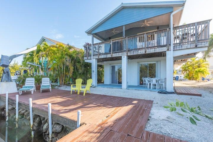 3674 Seas Street S, Big Pine, FL 33043