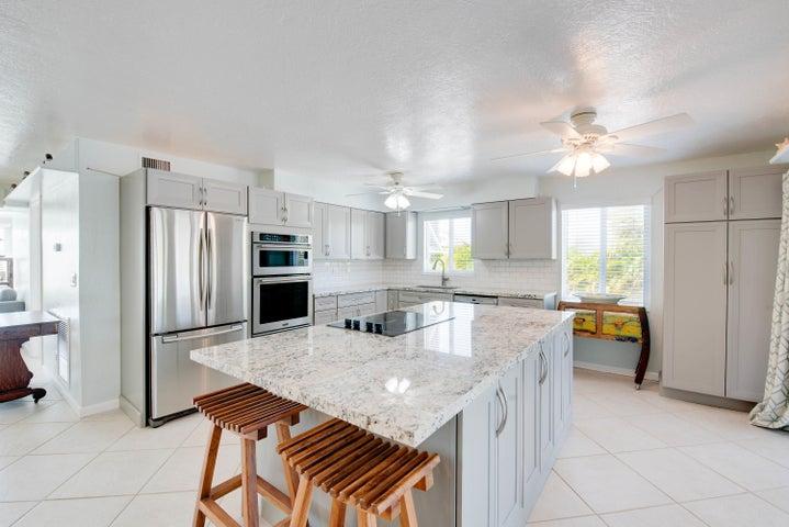 30945 Bay Shore Drive, Big Pine, FL 33043