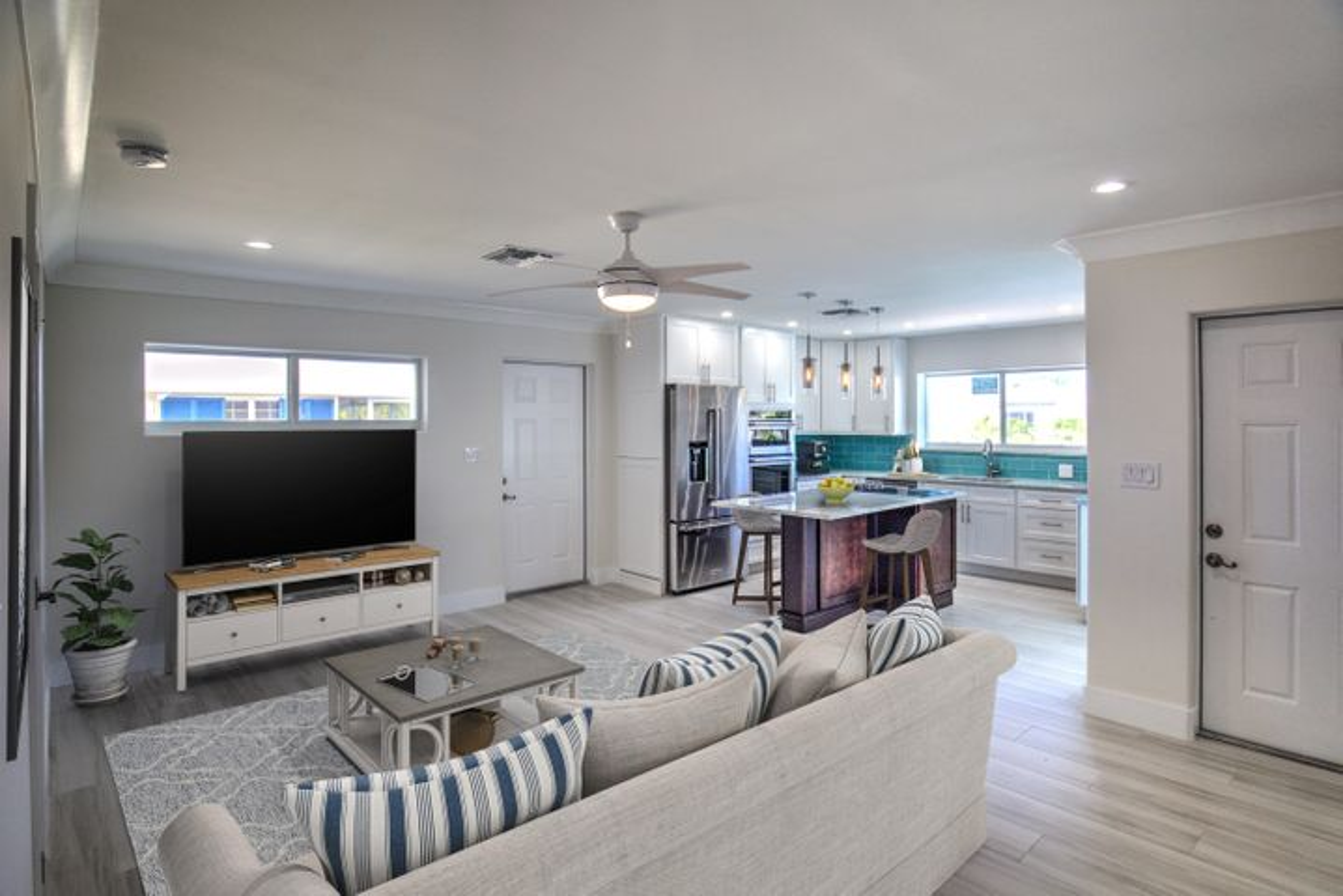 258 Seaview Drive W, Duck, FL 33050
