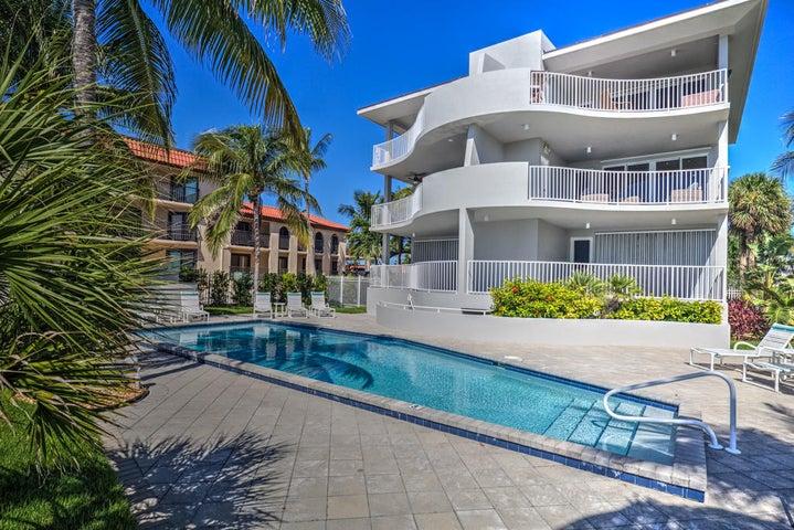 921 Ocean Drive W 2A, KEY COLONY, FL 33051