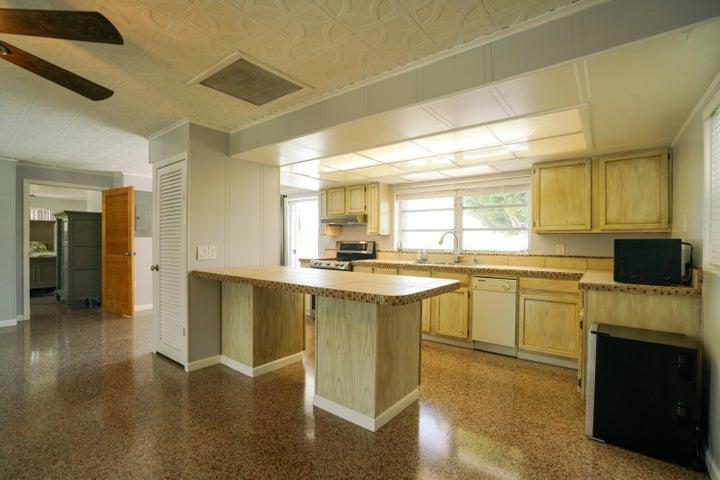 1659 Narcissus Avenue, Big Pine, FL 33043