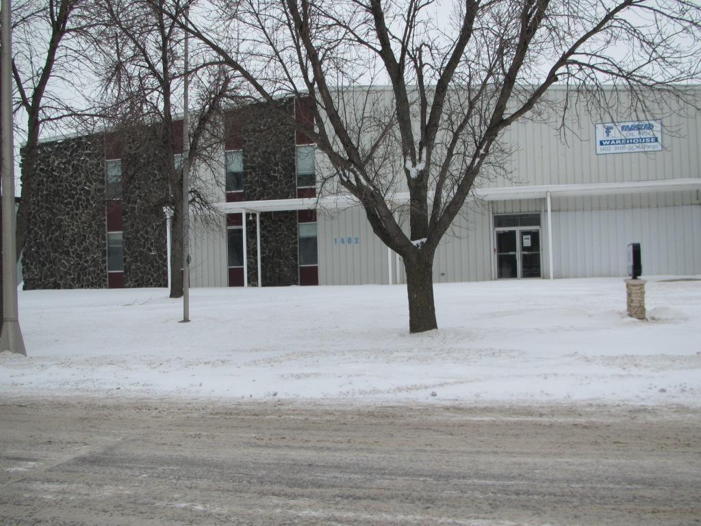 1402 N 39TH ST, Fargo, ND 58102