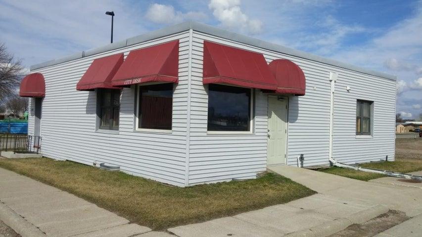 1910 N 1ST AVE, Fargo, ND 58102