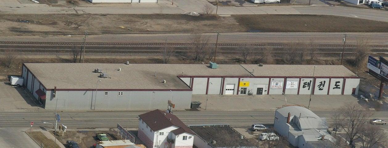 1341 MAIN AVE, Fargo, ND 58103
