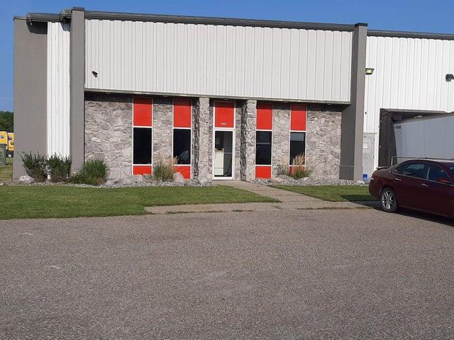 1302 40 Street N, Fargo, ND 58102