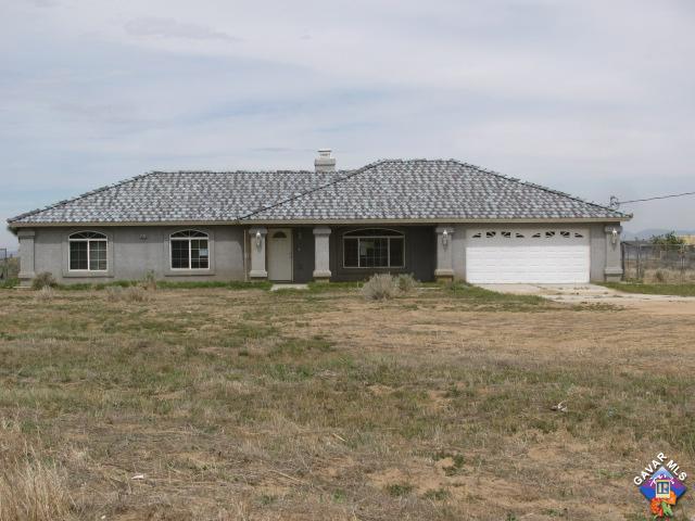 6926 Acacia Road, Phelan, CA 92371