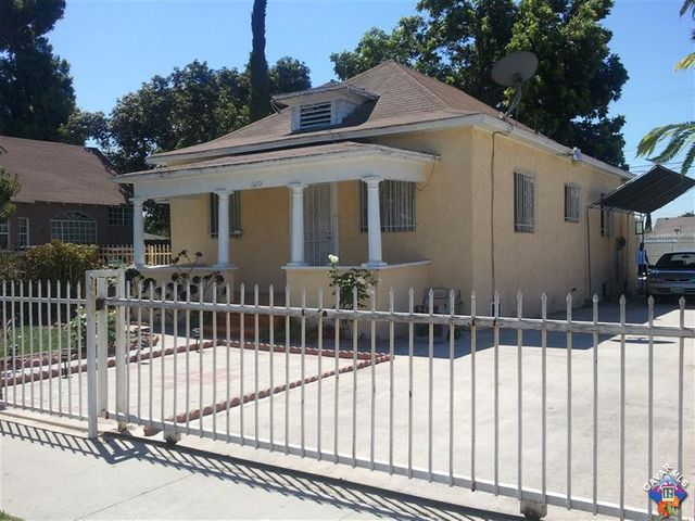 1320 E 57th Out Street, CA 90011