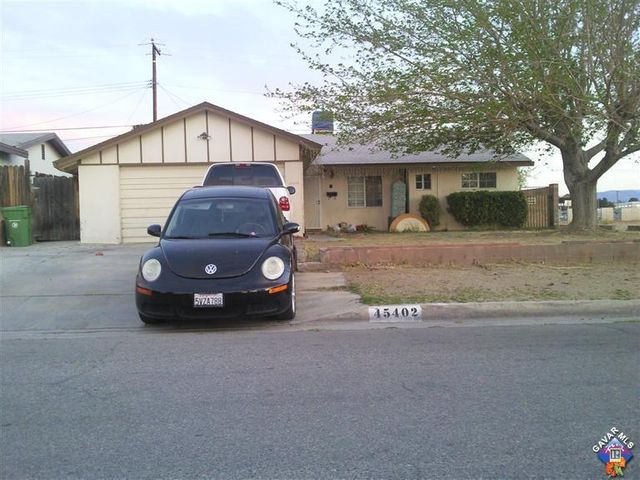45402 Gingham Avenue, Lancaster, CA 93535