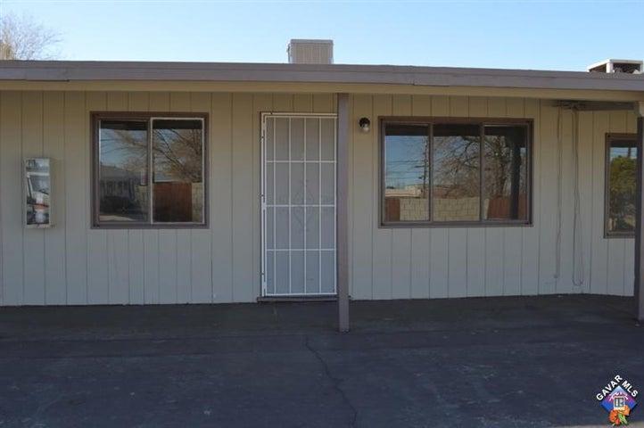 565 E Avenue Q12, Palmdale, CA 93550