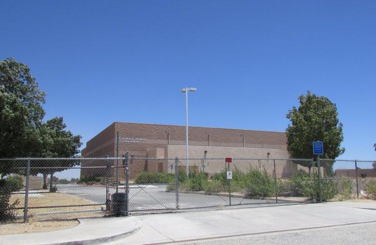 3700 W Avenue L, Lancaster, CA 93536