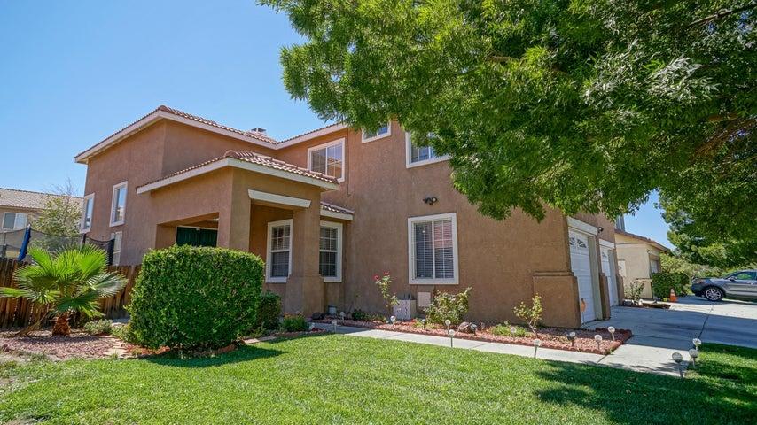 5530 Sandpiper Place, Palmdale, CA 93552