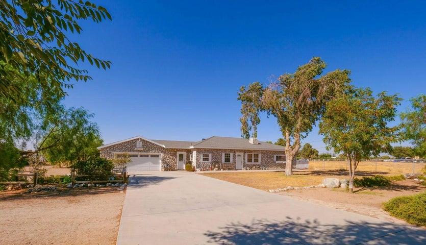 2735 W Ave M-4, Palmdale, CA 93551