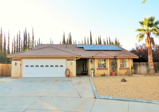 1327 Coventry Place, Palmdale, CA 93551