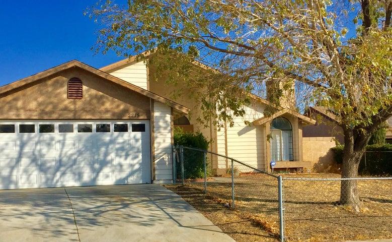 2215 Crescent Way, Palmdale, CA 93550