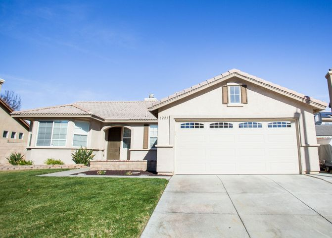 1223 W Ave H 7, Lancaster, CA 93534
