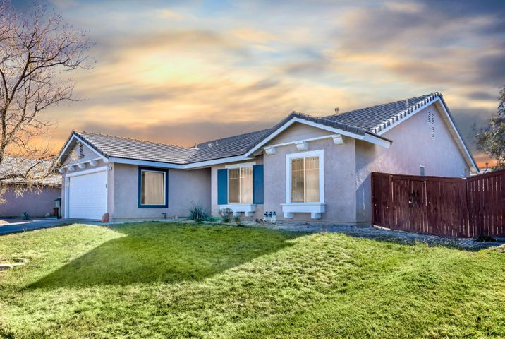 3452 Whisper Sands Avenue, Rosamond, CA 93560