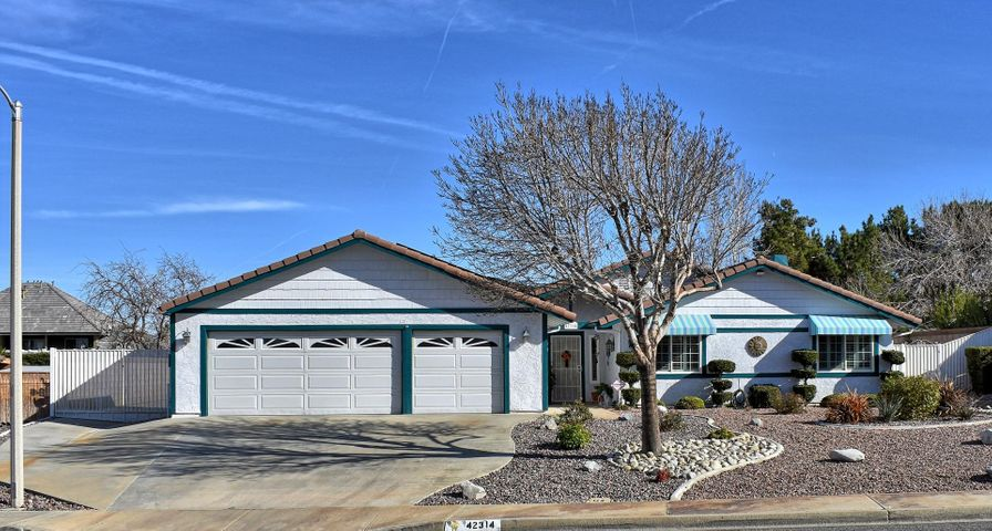 42314 Willeta Avenue, Quartz Hill, CA 93536