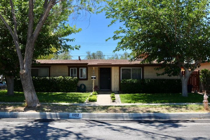 1102 W Ave H7, Lancaster, CA 93534