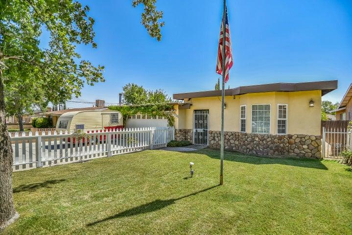 42338 W 52nd Street, Quartz Hill, CA 93536