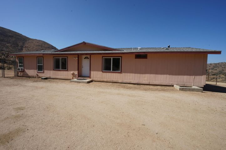 33015 Oracle Hill Road, Palmdale, CA 93550