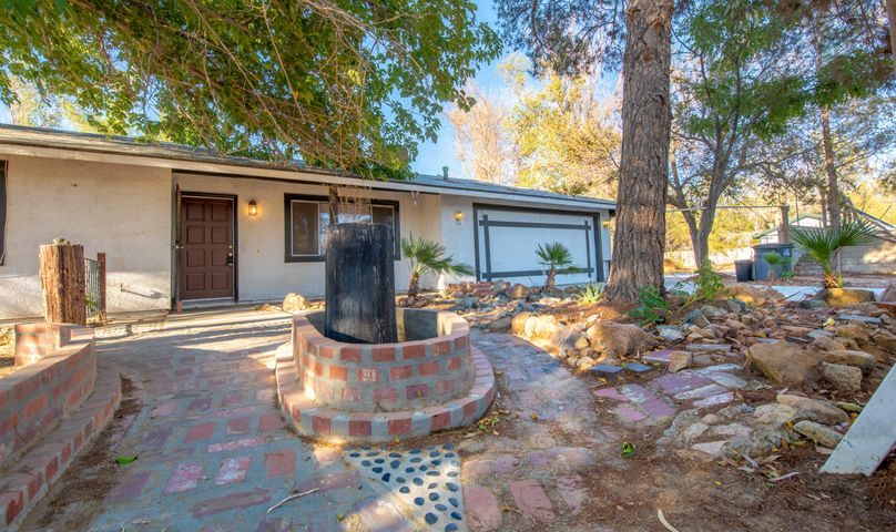 17705 Coolwater Avenue, Lake Los Angeles, CA 93591