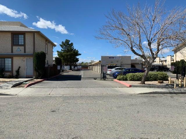 38707/675 E 12th Street, Palmdale, CA 93550