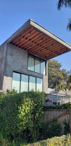 1437 Cabrillo Avenue, Venice, CA 90291
